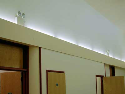 установка розеток и выключателей, услуги электрика в москве